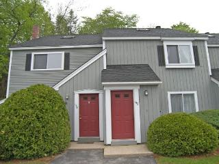 A0139- Managed by Loon Reservation Service - NH Meals & Rooms Lic# 056365 - North Woodstock vacation rentals