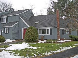 A0056- Managed by Loon Reservation Service - NH Meals & Rooms Lic# 056365 - North Woodstock vacation rentals