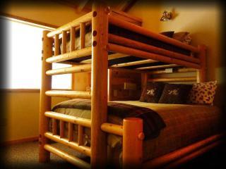 San Juan Sunrise 3 Bedroom Mountain Cabin - - La Sal vacation rentals