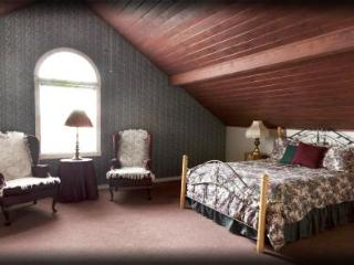 7 Bedroom Family Reunion Lodge! Near Natl. Parks! - Monticello vacation rentals