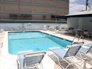 Windwood 101 You Can Have it All 1/2 block to beach w/ Heated Pool 1/1 4 - Hollywood vacation rentals