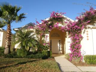 Villa Amanda - 3bed/2 bath, Pool. FREE Wifi - Davenport vacation rentals