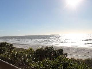 Nice 3 bedroom Indian Shores Apartment with Deck - Indian Shores vacation rentals