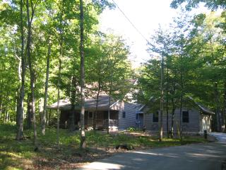 4 bedroom House with Internet Access in Fish Creek - Fish Creek vacation rentals
