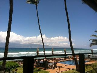 Comfortably Sleep up to 4 Adults in Our Blissful Oceanfront Condo! - Lahaina vacation rentals