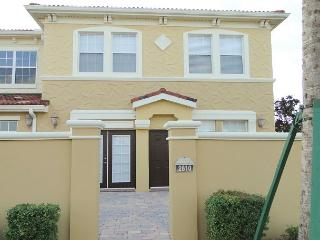 Luxury 4 Bed 2 Bath Waterstone Townhome, Just 15 Mins To Disney (AV2810BV) - Davenport vacation rentals