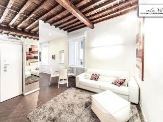 marvellous and confortable lo.ve collosseum - Rome vacation rentals