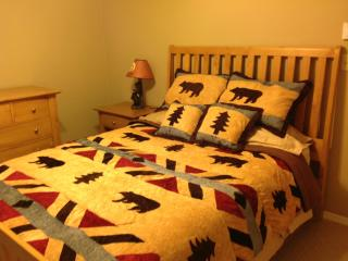 Gorgeous Bear Theme Home, Next to Ski Resort - Canadensis vacation rentals