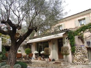 Holiday rental City / Village houses Aix En Provence (Bouches-du-Rhône), 160 m², 2 990 € - La Gouesniere vacation rentals
