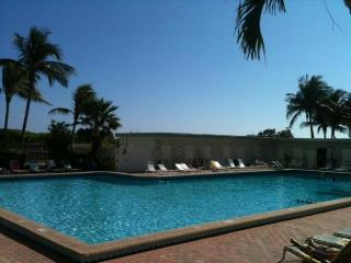 Beachfront Building with Heated Pool & Valet Parking, sleeps 4 - Miami Beach vacation rentals