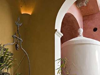 El Portico de la Candelaria  NYTimes recommended - Merida vacation rentals