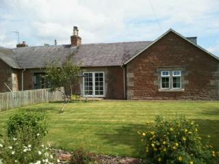 NUMBER FOUR COTTAGE, Mounthooly, Jedburgh, Scottish Borders - - Swinton vacation rentals