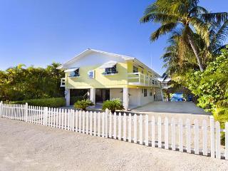 Villa Marlin, Renovated, Remodeled , Sandy Beach - Islamorada vacation rentals