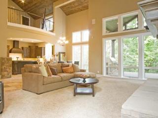 A BEAUTIFUL LUXURY EXECUTIVE DESIGNER HOME  / MAUI - Kula vacation rentals