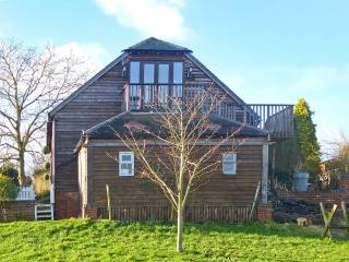 THE STILEHOUSE APARTMENT, studio accommodation, wet room, shared 13 acre of grounds, near Bewdley, Ref 20793 - Bewdley vacation rentals