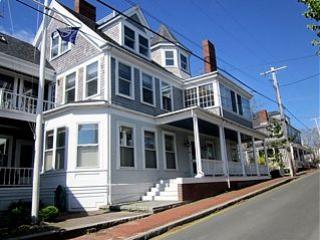 2 Bedroom 2 Bathroom Vacation Rental in Nantucket that sleeps 4 -(10361) - Image 1 - Nantucket - rentals