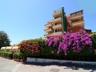 Seafront 1-room apartment with seaview in residence - Giardini Naxos vacation rentals