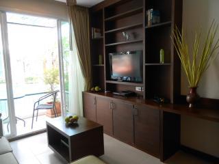 Two bedroom poolside condo Bophut - Bophut vacation rentals