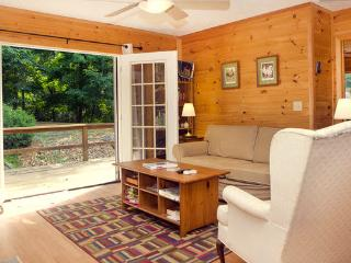 Nice Cabin with Deck and Internet Access - Lost River vacation rentals