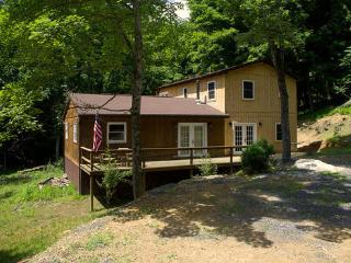 3 bedroom Cabin with Short Breaks Allowed in Lost River - Lost River vacation rentals