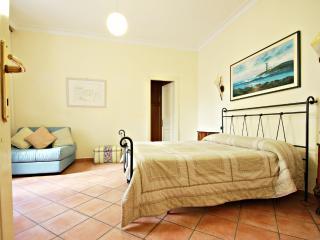 Rome, Via Veneto area, 2 BR, 2 BA, sleeps 7 - Rome vacation rentals
