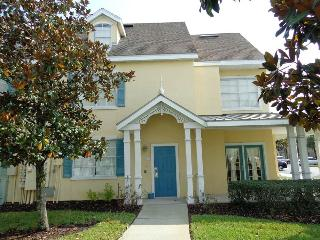 Great 2Bed,  4m DISNEY, Shuttle, Wifi, Pool, Rec. - Kissimmee vacation rentals