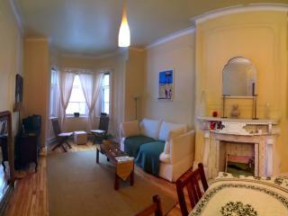 Suite Victoria - Victorian apt suite in Montreal - Montreal vacation rentals