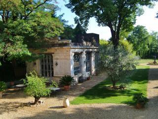 Chateau Rieutort B&B - 18th century wine domain - Saint-Pargoire vacation rentals