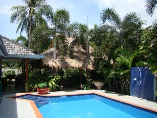 Bright Villa with A/C and Satellite Or Cable TV - Hua Hin vacation rentals