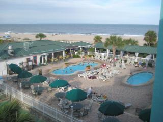 Comfortable 2 bedroom Apartment in Tybee Island - Tybee Island vacation rentals