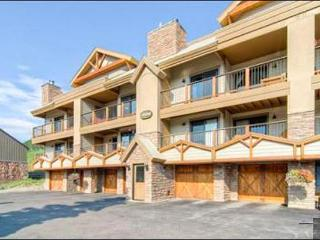 Spacious & Welcoming Vacation Condo - Located by the Peachtree and T-Bar Lifts (1361) - Crested Butte vacation rentals