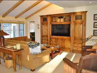 Classic Comfort, Modern Amenities - At the Base of Proctor Mountain (1156) - Ketchum vacation rentals