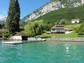 5 Star waterfront villa Bagatelle for 10 p. Annecy - Haute-Savoie vacation rentals