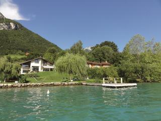 5 Star waterfront villa Le France for 10 p. Annecy - Rhone-Alpes vacation rentals