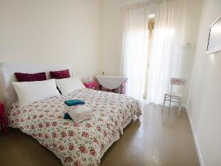 Central 2 Bedrooms Apartment  close to Colosseum - Rome vacation rentals