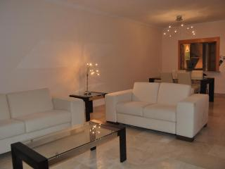 Nice & quiet apartment with sea and mountain views - Estepona vacation rentals