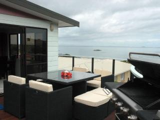 Waterfront holiday accommodation in Coopers Beach - Coopers Beach vacation rentals