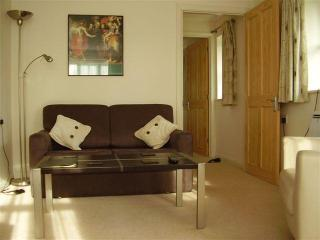 1 bedroom Lodge in rural area, Henley on Thames. - Henley-on-Thames vacation rentals