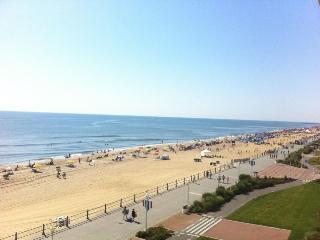 2Bdr/2Bath Oceanfront Condo on the Boardwalk. Free - Virginia Beach vacation rentals