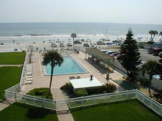 New Smyrna Beach, Oceanfront condo, 2 bed 2 bath, - New Smyrna Beach vacation rentals