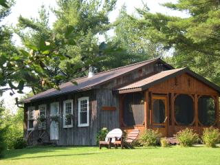 Charming House with Deck and Internet Access - Rawdon vacation rentals