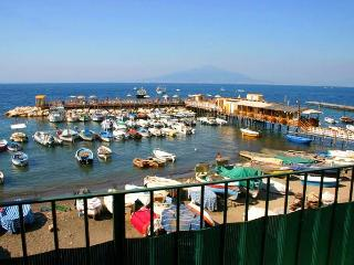 Beautiful 2 bedroom Vacation Rental in Sorrento - Sorrento vacation rentals