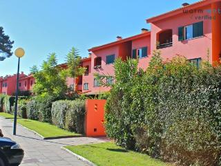 Pine Green Apartment - Setubal District vacation rentals