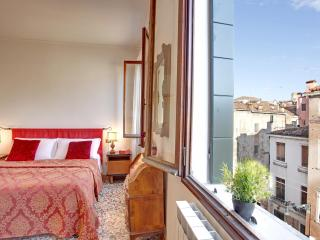 Apartment Terrazza with Canal view and terrace, near Casinò, Jewish Ghetto, 10 minutes walking to Rialto and 15 to San Marco - Venice vacation rentals
