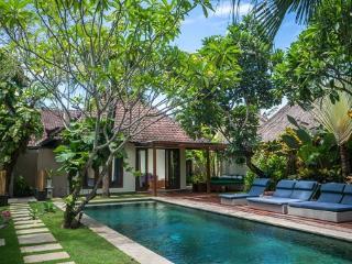 Villa Staman quiet perfect 4 beach & restaurants - Seminyak vacation rentals