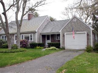 Lovely 4 bed, 2.5 bath Harwich Home near beaches & bike trail - Harwich vacation rentals