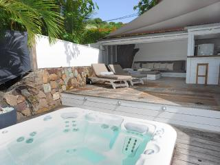 Buddha Bay at Marigot, St. Barth - On the Beach, Outdoor Living Space,  Jacuzzi - Marigot vacation rentals