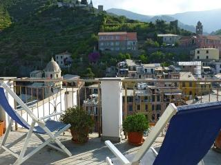 Convenient Vernazza vacation House with Balcony - Vernazza vacation rentals