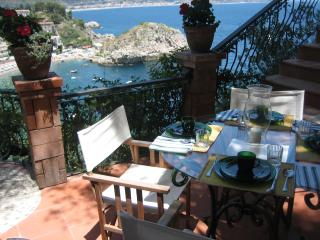 Taormina Sicily by the sea 2+2 - Graniti vacation rentals