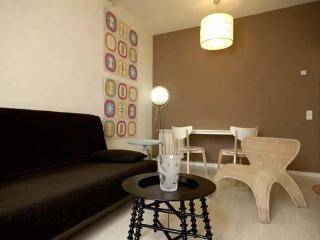 Spacious and bright apartment Goya - Madrid vacation rentals